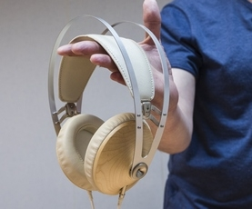 Headphones Meze 99 Classics: silver and gold walnut, emitting natural musicality
